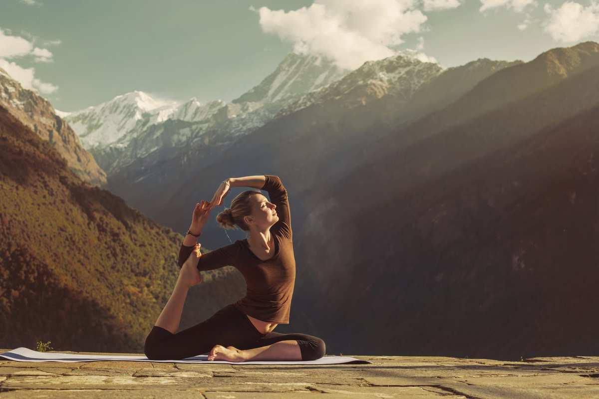 Yoga i Himalaya-bjergene