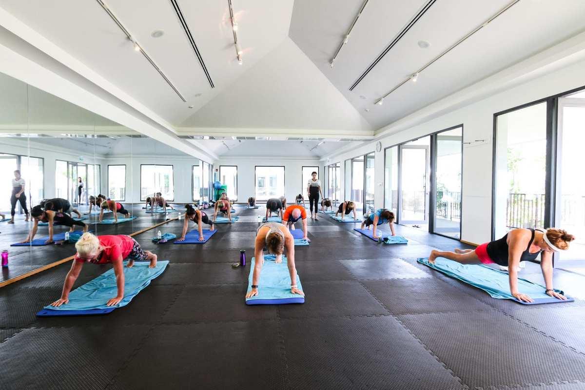 140 kvadratmeter dedikeret til danseklasser. Heriblandt hip hop, aerobics og steptoning klasser.