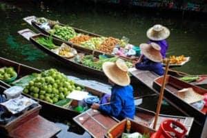 Besøg ved det flydende marked og fly til Chiang Mai