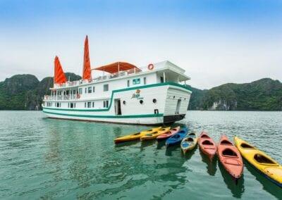 L'Azalee Cruises