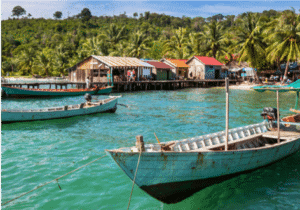 Herefter besøger vi byen Kep, der i Cambodia guldår i 1960'erne var byen for de royale og jet-set folkene.  Kep ligger ud til vandet, og her er der rig mulighed for ren og skær afslapning de næste par dage, inden turen går hjemad.   Ønsker du at opleve mere uden at rejse alt for langt? Så er dette en af grundene til, at Ferie med Formål har udvalgt Kep som rejsens sidste destination. Kep ligger nemlig tæt på andre øer, der er kendt for deres klare vand og rusten røde sand.   Besøg blandt andet Rabbit Island.  Vi kan også hjælpe dig med andre ture.  Blandt andet kan du komme ud og fiske med de lokale eller besøge lokalbyen og få indsigt i Kep's barske fortid.   Du overnatter på Veranda Natural Resort i et af deres Rosewood værelser.