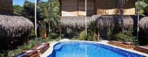 Disse dage har du på egen hånd i Santa Teresa, som byder på mange spændende aktiviteter, herunder surfing og yoga. Er du mere til en lille udflugt, så kan du også komme på mindre dagsture i løbet af dagen. Bl.a. kan du komme på følgende ture:  -Besøg i Cabo Blanco Natural Reserve - Besøg i Curu Wildlife Reserve – herunder en nattetur, hvor du ser hvordan omgivelserne lyser op af bioluminescens.  Hotel: Otro Lado Lodge, standard dobbeltværelse eller tilsvarende.