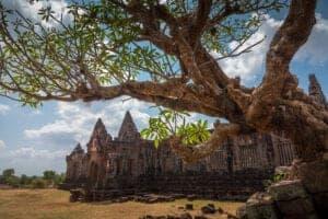 I dag skal vi ud og se den gamle tempelruin Wat Phou, som er et par hundrede år ældre end Cambodias berømte tempel Angkor Wat. Herefter vandrer vi til det arkæologiske site, Phou Asa, hvor du får flere smukke tempelruiner at se, inden vi fortsætter med færge til Khong Island, som er en del af Mekongflodens skærgård – og som ligger lige i begyndelsen af området med de 4.000 øer.