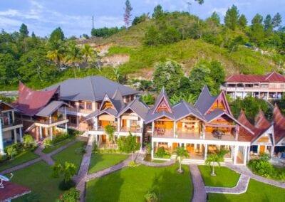 Toba Cottages